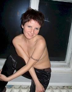 Jolie brunette du 76 chvx courts ok pour rencontre coquine